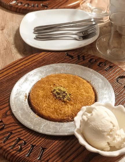 istanbul-eat-local-kunefe