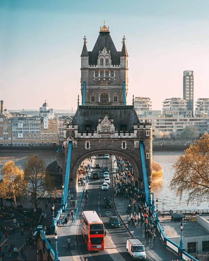 tower-bridge-london-must-see
