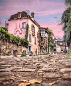 montemartre-paris-france