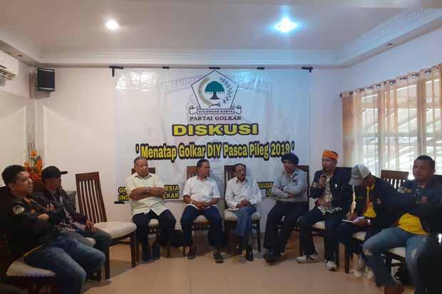 Ogah Golkar Diy Ambyar Senior Dukung Kaum Muda Lengserkan Haryadi
