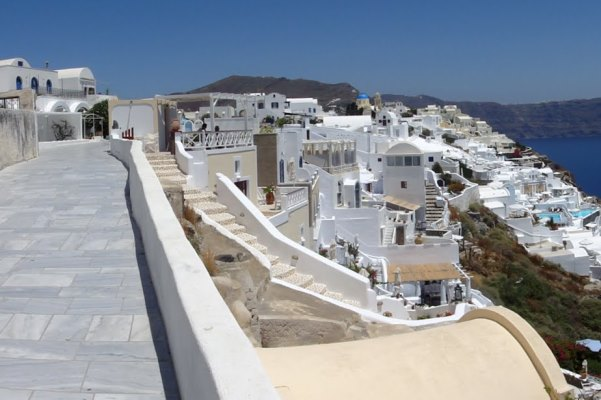 Oia Village in Santorini, یونان
