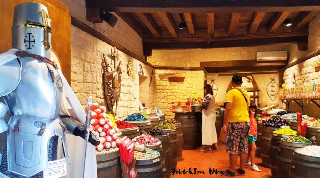 carcassonne-tiendas-interior-ciudadela-viajar-con-niños