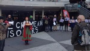 Демонстрация в Стокгольме, на площади Сергеля, в поддержку политзаключенных в России. Фото: Максим Лапицкий/Радио Швеция