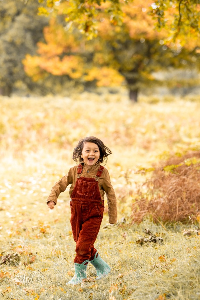 autumn family photography in teddington