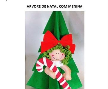 Arbol de Navidad con Niña