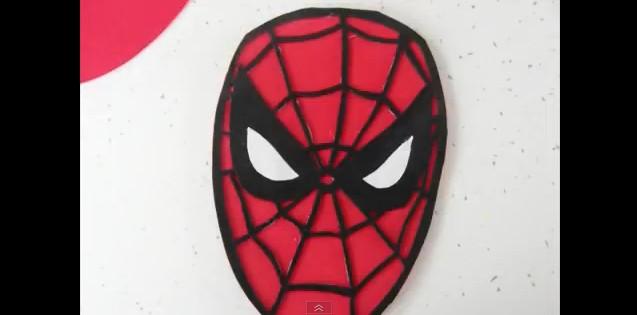 Mochila de Spiderman con goma eva 3