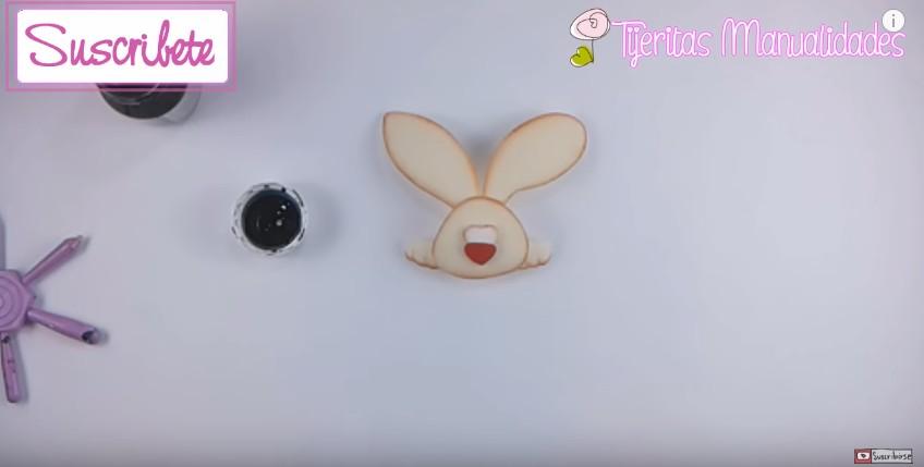 Canasta de goma eva con conejo para Pascuas 10