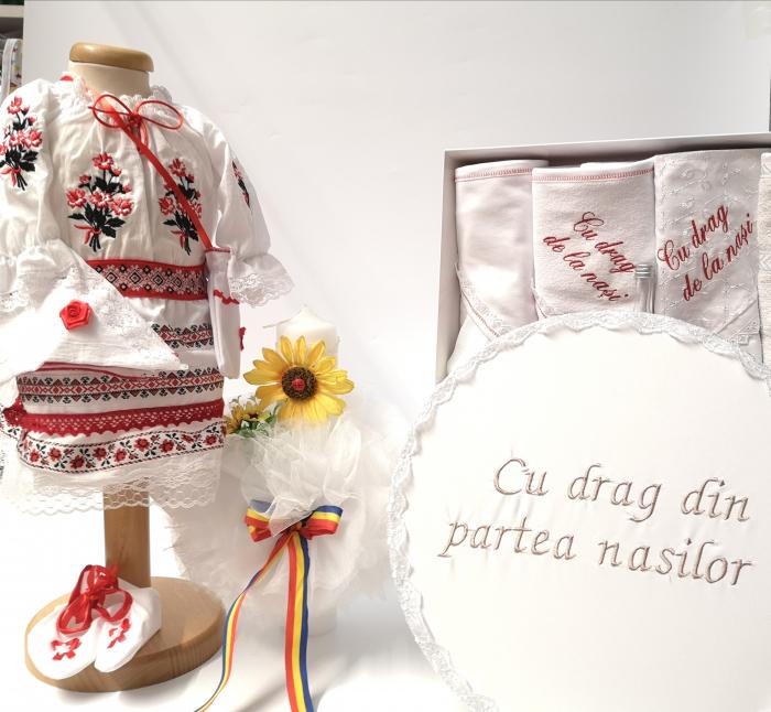 Set Traditional Botez - Costumas fetita Trusou Cutie pentru trusou Lumanare 5