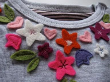 filcvirágok pólón