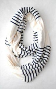 végtelen fehér-kék csíkos sál