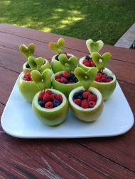 alma tálacska gyümölcsökkel