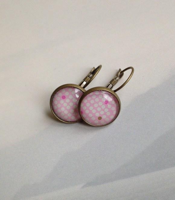 rózsaszín, mini pöttyös fülbevaló