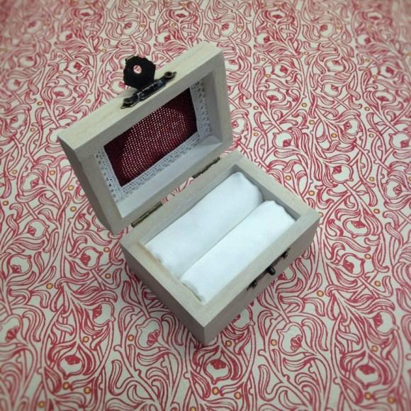 a gyűrűtartó doboz belseje