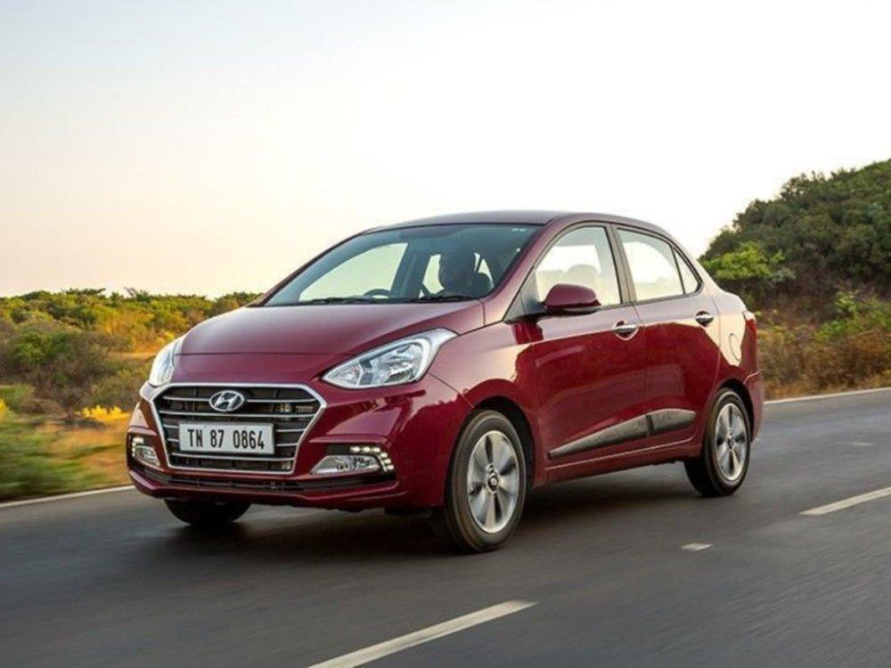 Hyundai Aura Variants, Colours   Explained