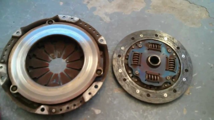 Worn out clutch causes low fuel mileage