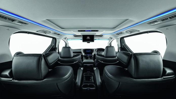 Toyota Vellfire MPV Interior