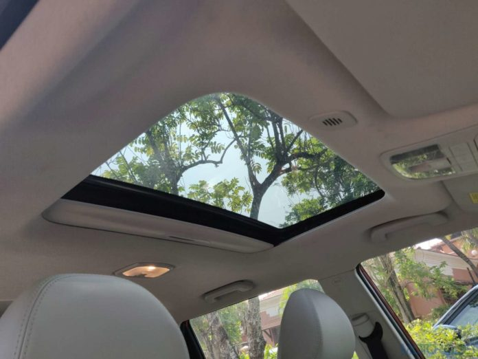 Mahindra XUV300s Electric Sunroof with Anti-Pinch | Cars with Sunroof in India