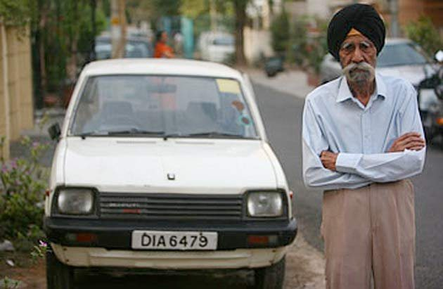 Harpal Singh with his Maruti 800