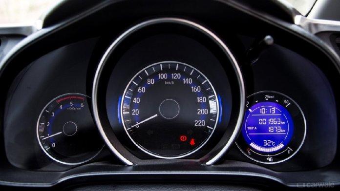 Honda WR-V speedometer