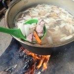 脱穀続き、猪肉とアオリイカ