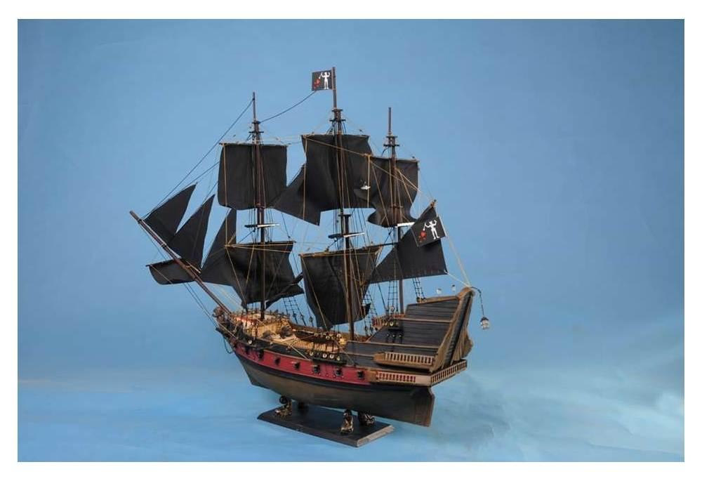 Blackbeards Queen Annes Revenge Limited Model Pirate Ship