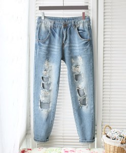Street Style Holes Design Bleach Wash Jeans For Women