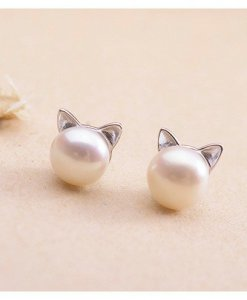 Kitty's ears pearl earrings
