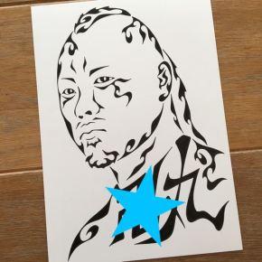 大好きな有名人をモチーフにした模様で書く似顔絵風アートのプレゼント