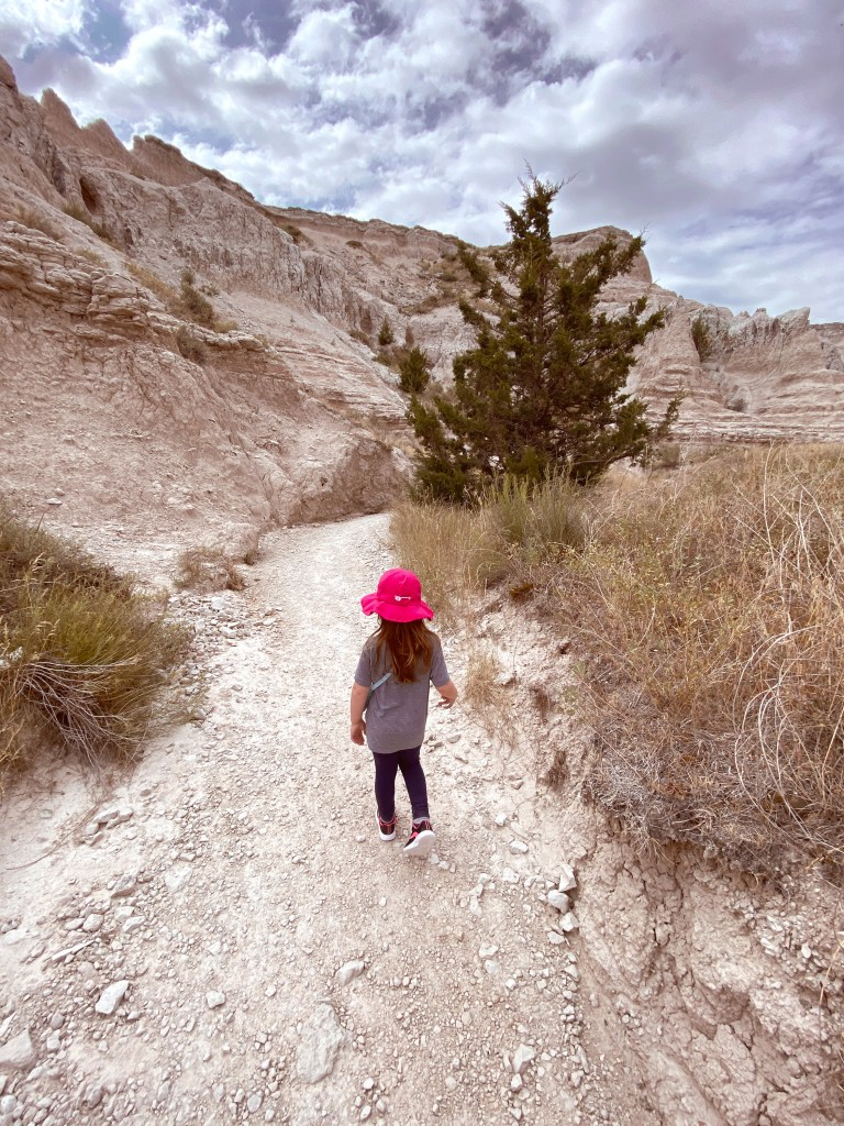 badlands hiking trail south dakota