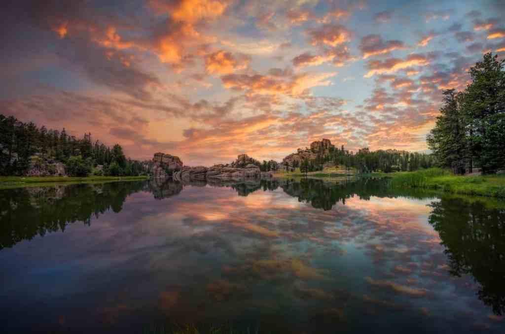 beautiful lake at sunset, things to do in south dakota