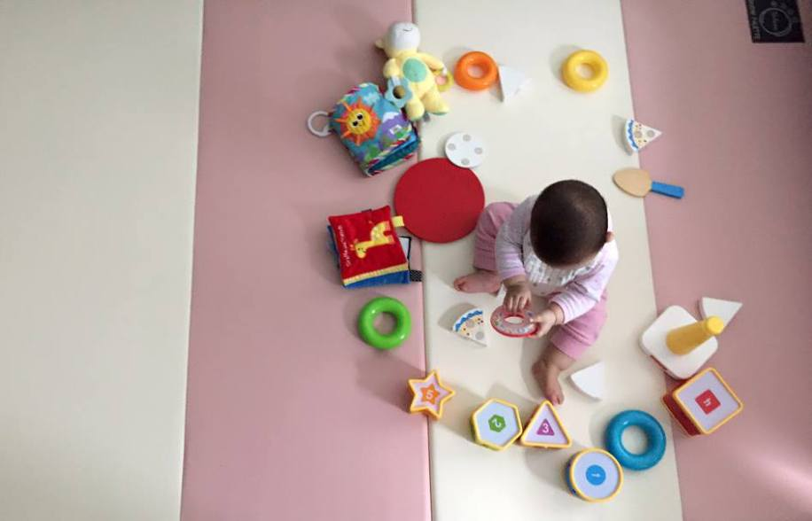 Why You Should Consider a Non-Toxic Play Mat For Your Baby