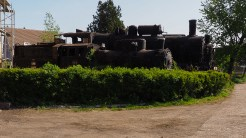 Mastodonții scăpați de casare, ruginesc încet-încet în Depoul de Locomotive Sibiu. FOTO Cătălin SCHIPOR