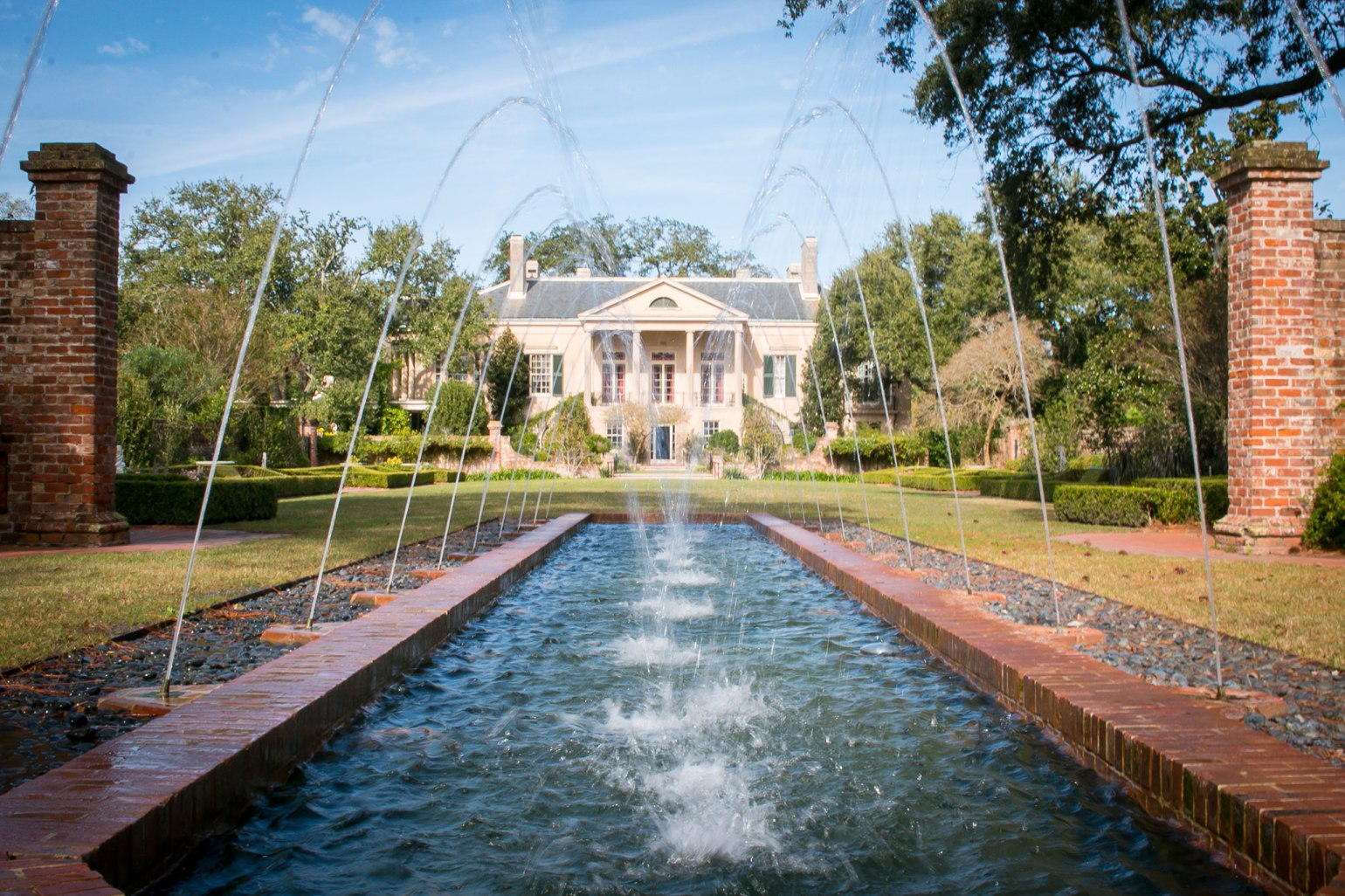 At the western edge of New Orleans lies the manicured estate of Longue Vue House and Gardens. (Photo: Rebecca Ratliff)
