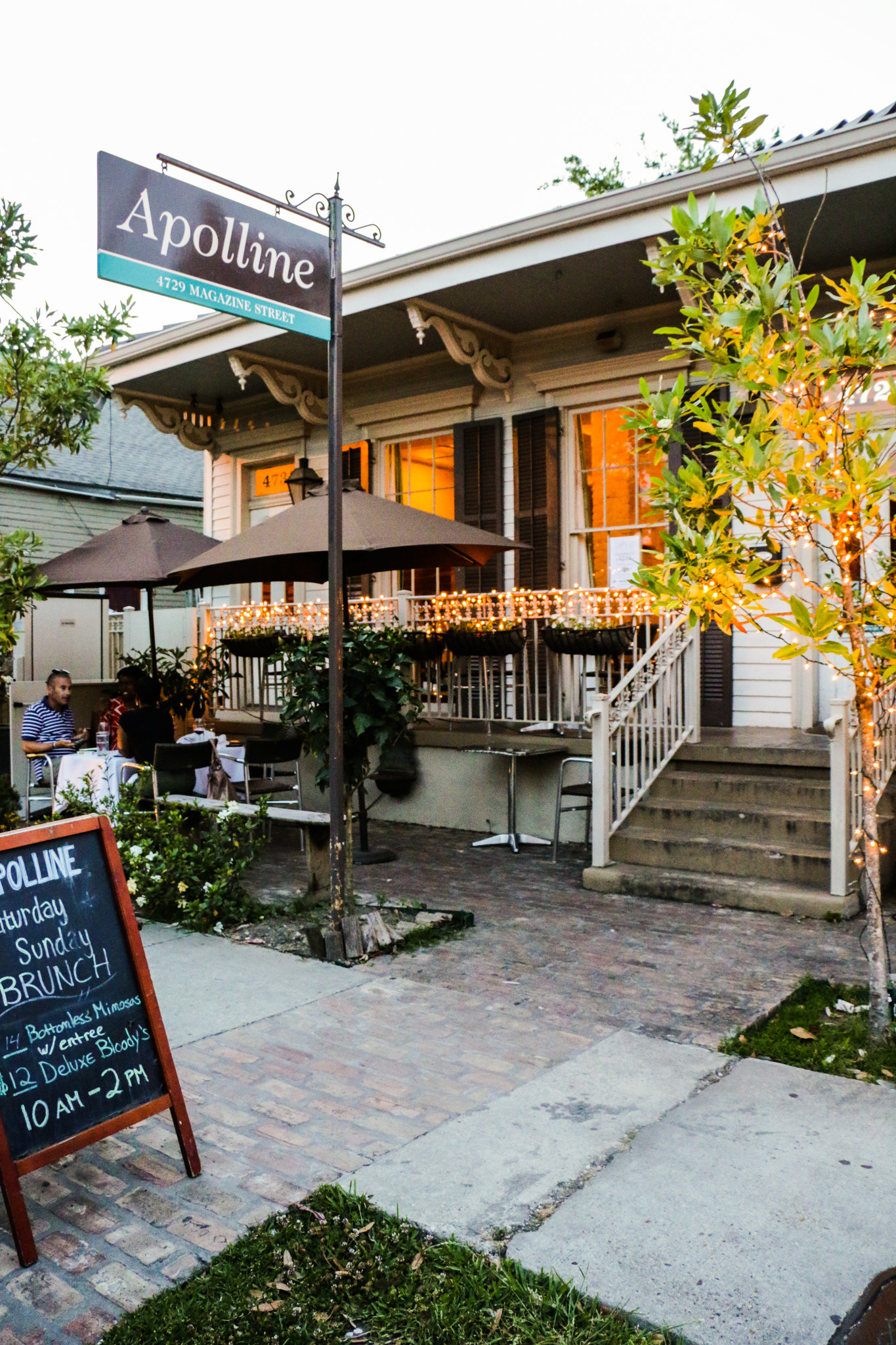 Apolline Restaurant serves up a stellar seafood Benedict. (Photo: Rebecca Ratliff)