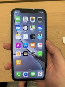 iPhone XR ホワイト