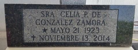 Placa de 60 x 20 x 3 cm. de piedra granito para panteon, panel sin brillo y grabado de nombre y fechas.