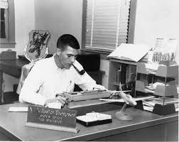 Hunter S. Thompson writing in the Air Force.