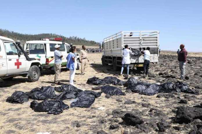 3 Somali ah oo ku geeriyootay Diyaaradii Ethiopian Airlines  [Sawirrada burburka diyaaradda]