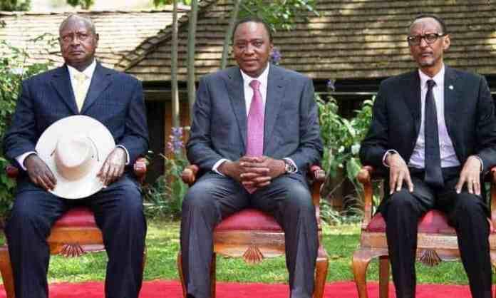 Uhuru Kenyatta dhexdhexaadinaya Xiisad ka dhex taagan Dalalka Uganda iyo Rwanda…
