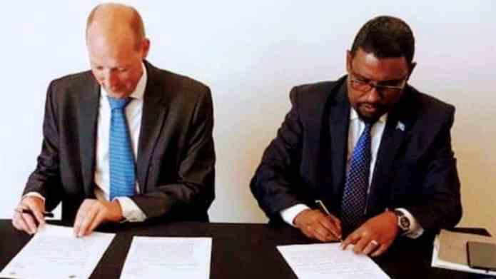 Dowlada Somalia oo Heshiis la saxiixatay Shirkadaha ugu waaweyn Shidaalka ee USA & Yurub.