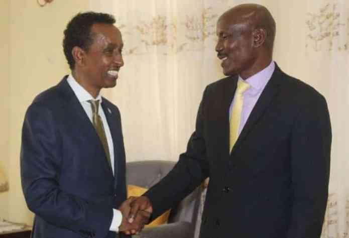 Maxay ka wadahadleen Safiirka Kenya ee Somalia iyo Wasiirka Arrimaha Dibadda?