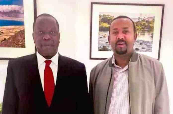 XOG: Madaxweynaha Kenya oo khilaafka Somalia & Kenya la kaashanaya Abiy Ahmed (Wafdi loo diray Addis)