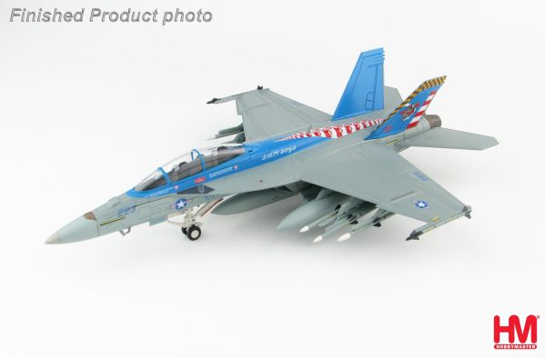 """Hobby Master Collector 1/72 Air Power HA5112 U.S. Navy Boeing F/A-18F Super Hornet Carrier-Based Multirole Fighter, 165801, VX-23 """"Salty Dogs"""", Naval Air Station Patuxent River, 2016 (Military Airplanes Diecast Model, Pre built Aircraft Scale Model)"""