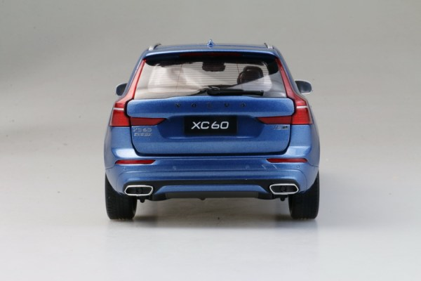 Volvo Diecast Cars for sale VOLVO XC60 1:24 Scale Metal Diecast Toy Car Model Miniature XC 60 Silver.