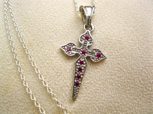 Ruby_Santiago_cross_on_chain_8358
