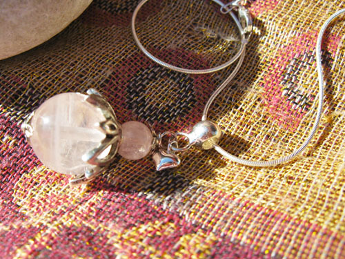 Loveheart necklace rose quartz