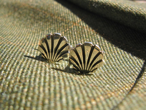 Conch_shell_cuff_links