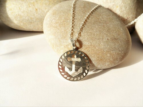 Anchor necklace for hope