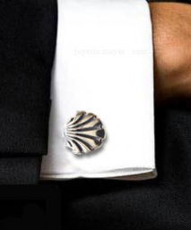Camino shell cufflinks
