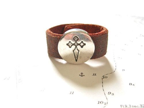 Camino symbol ring